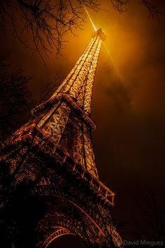 The iron lady - Eiffel Tower, Paris by David Southpaw Paris Torre Eiffel, Tour Eiffel, Monuments, Beautiful World, Beautiful Places, The Iron Lady, Best Vacation Destinations, Vacations, Places To See
