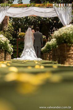 Casamento Rústico Faça do seu Evento um momento inesquecível! Com Segurança e controle de acesso... Pulseiras de Identificação, Ingressos e Credenciais... Pulcor em todos os momentos com você! 11. 5081 3300