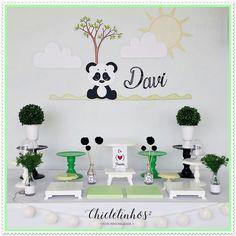 FESTA PANDA - Uma festa linda com o tema panda – ideal para comemorar aniversário ou mesversário.  Decoração de festa completa para você alugar e montar!