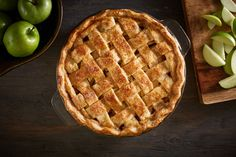 Check out these classic apple pie recipes and enjoy the flavors of fall. Here's how to make the best homemade apple pie from scratch for Thanksgiving! Low Fat Apple Pie Recipe, Apple Pie Recipes, Candy Recipes, Brunch Recipes, Favorite Recipes, Snacks, Baking, Eat, Food