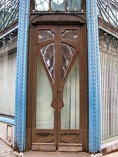 Art Nouveau door, Graineterie Génin, Nancy, France