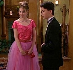 This is my fave prom dress ever! My fave film and the most gorgeous prom dress <3 <3  #topshoppromqueen