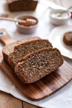 Flowerless nut and seed bread | cashews, sunflower seeds, almond meal, baking soda, 6 L eggs, lemon juice, olive oil, walnut oil, pumpkin seed oil