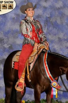 Gorgeous red and grey western pleasure look! Western Show Shirts, Western Show Clothes, Horse Show Clothes, Western Jackets, Riding Clothes, Equestrian Outfits, Equestrian Style, Western Riding, Western Wear