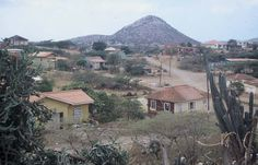 Christoffelberg, voor 1990 Awsome Pictures, Willemstad, Caribbean, Cabin, Mountains, House Styles, Places, Paintings, History