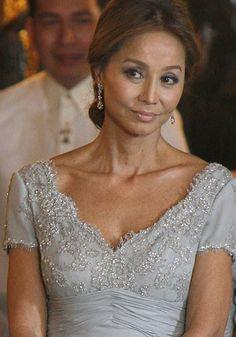Isabel, en la recepción en el Palacio de Oriente en Madrid, en honor de la Presidenta de Filipinas