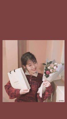 IU #wallpaper #dlwlrma Korean Actresses, Actors & Actresses, Moon Lovers Drama, K Pop Star, Simple Pictures, Iu Fashion, Korean Artist, Korean Celebrities, Me As A Girlfriend