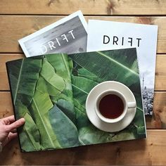 "@coffeetablemags's photo: ""Afternoon coffee from da Matteo with  Drift Magazine – Issue 1, 2, and 3. Although Issue 3 about Havana has nothing to do with Third Wave Coffee, it is full of stunning pictures and very interesting articles about the history and coffee culture in Cuba. It's still one of my favourite magazines, not just in the field of coffee content.  Issue 1 and 2 are sold out worldwide. But you can order a copy of issue 3 in our shop…"