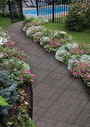 flowers along walkway Flower Bed Designs, Flower Garden Design, Small Front Yard Landscaping, Backyard Landscaping, Landscaping Ideas, Backyard Walkway, Outdoor Walkway, Front Walkway, Front Porch