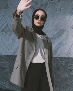 Modest Fashion Hijab, Modern Hijab Fashion, Casual Hijab Outfit, Arab Fashion, Hijab Chic, Hijab Dress, Muslim Fashion, Tokyo Street Fashion, Street Hijab Fashion