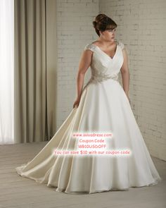 """AAAAHHH!!!! I""""m in LOVE!!! Plus Size Wedding Dress"""