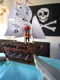 Pirate Ship Birthday Cake Sails - cut round cake in half, chop a bit of the bottom to stabilise, etc 5th Birthday Party Ideas, Pirate Birthday, 4th Birthday, Birthday Parties, Mini Tortillas, Pirate Ship Cakes, Pirate Ships, Sailing Party, Birthday Cake With Candles