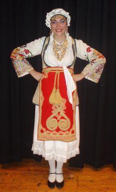 Η παραδοσιακή ενδυμασία της Αράχωβας - The traditional women's Greek folk costume from the town of Arahova in Central Greece.
