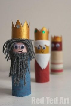 Kids Crafts: 3 Kings Create the Nativity using toilet roll cardboard!  I love the recycling concept in presenting our humble Savior's birth story! :)