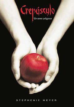 """#1- """"Crepúsculo"""", de Stephenie Meyer. Cuando su madre se casa por segunda vez, Bella decide marcharse a un recóndito, pequeño y lluvioso pueblo llamado Forks para vivir con su padre. Alli conoce a muchas personas, pero una llama su atención sobre los demás, Edward Cullen. Bella se enamora de él y termina enterándose de lo que jamás se hubiera podido imaginar: Edward y su familia son vampiros."""