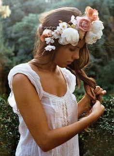 Как носить ободки и венки из цветов и не облажаться. - Создай свой стиль