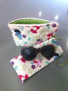 Conjunto funda de gafas y neceser