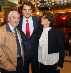 Tennis star, Roger Federer and his parents.