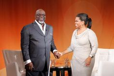 Oprah and of the biggest cons amd Antichrists ever! Oprah And Stedman, Bishop Jakes, Td Jakes, Thought For Today, Beauty Around The World, Joel Osteen, Oprah Winfrey, Buy Tickets, Celebs