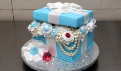 Tiffany Gift Box Pearls and Diamonds Cake - How To Make