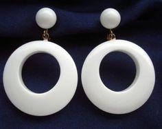 Crown TRIFARI signed Vintage 1960's MOD Fun Big White Plastic Hoop Circle Dangle EARRINGS modette 60s 70s space age go-go pop art modernist