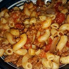 classic goulash recipe \ classic goulash recipe & classic goulash recipe ground beef & goulash recipes classic & all recipes classic goulash Easy Goulash Recipes, Easy Casserole Recipes, Slow Cooker Recipes, Pasta Recipes, Dinner Recipes, Cooking Recipes, Pasta Meals, Shrimp Recipes, Hamburger Dishes