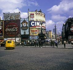 Pickadilly Circus in 1970