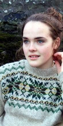 Shetland knitting - Google-søk Fair Isle Knitting, Hand Knitting, Scottish Clothing, Scottish Gifts, Sea Moss, Fair Isle Pattern, Hand Knitted Sweaters, Fair Trade, Vests