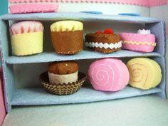 Step by step DIY felt mini roll cake