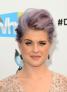 http://www.eehaircut.com/wp-content/uploads/2012/09/Kelly-Osbourne-Pompadour.jpg