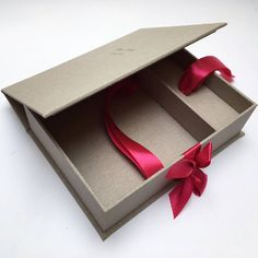 #unique #handmade #photoalbum #photobox #presentationbox #box #analog #gift #specialday #weddingday #wedding #beautiful #ribbon #colorful #print #madewithlove #fineart #art #workshop #worldwide #etsy #etsyshop #photographers #photography #weddingphotography #weddingphotographer #littlefinearts