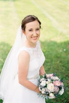 Soft and natural wedding day makeup and hairstyle with veil {Michelle Lea Photographie}