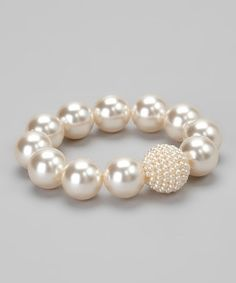 I love the tiny pearls against the big pearls