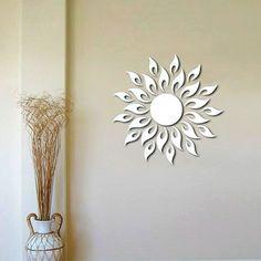 Vinilos decorativos de espejo en forma de sol | Tecniac
