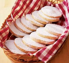 Sugar-dusted vanilla thins - LOVE that you can freeze the dough and bake when you want it. Shortbread Biscuits, Biscuit Cookies, Bbc Good Food Recipes, Cooking Recipes, Bbc Good Food Show, Snowflake Cake, Ice Cream Cookies, Christmas Baking, Christmas Foods