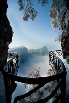 Tianmen Mountain Hiking Trails, China | #photo #nature #smoothness