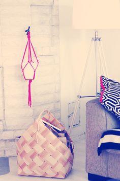 Sort of pink.: DIY   macrame plant hanger*