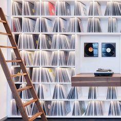 'Record Room' loft by Kepenek ➡️ swipe for full view ____________ 📸 Simon Vogel Vinyl Record Display, Vinyl Record Storage, Lp Storage, Storage Design, Home Music Rooms, Home Studio Music, Loft, Vinyl Shelf, Vinyl Record Collection