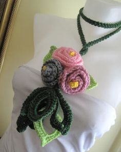 Crocheted   lariat-ıc from Svetoks waits to you to flower garden by DaWanda.com