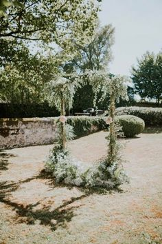 Gorgeous Bordeaux Winery Wedding at Chateau Franc Mayne Floral Ceremony Arch