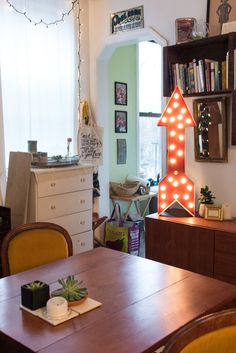 House Tour: A Small & Stylish Brooklyn Studio | Apartment Therapy
