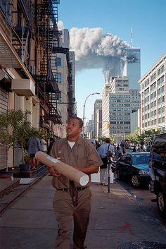 10+ rares photos des attentats du 11 septembre 2001 que vous n'avez probablement jamais vues World Trade Center, Trade Centre, Rare Photos, Photos Du, Cool Photos, Us History, American History, Photographie New York, New York