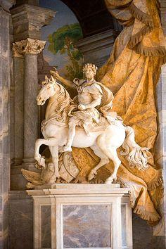 Monumento Equestre di Carlo Magno (1725-1735), Agostino Cornacchini. Basilica di San Pietro in Vaticano, Roma, Italia.