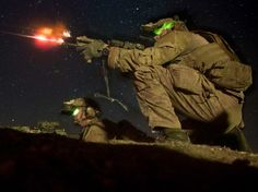 U.S. Army Rangers assigned to 2nd Battalion, 75th Ranger Regiment, fire at an enemy bunker during Task Force Training on Camp Roberts, Calif., Feb. 1, 2014. (Spc. Steven Hitchcock/U.S. Army Flickr)