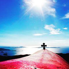 The highest peak of Mykonos island is Prophet Elias Vorniotis at an altitude of 372 m. Mykonos Island, We Meet Again, Greece, Mountains, Nature, Attitude, Travel, Greece Country, Naturaleza