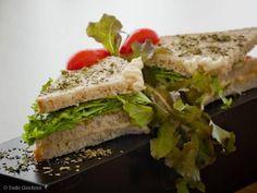 Aprenda a preparar a receita de Sanduíche básico de frango (natural/light)