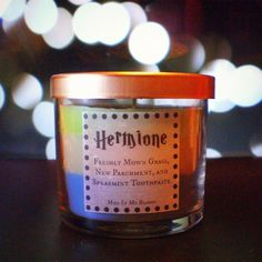 'Harry Potter' Candles Collect The Magical Scents Of The Books' Biggest Characters (Source: Mud In My Blood) Harry Potter Fiesta, Deco Harry Potter, Harry Potter Fandom, Harry Potter World, Hogwarts, Harry Potter Candles, Scorpius And Rose, Must Be A Weasley, No Muggles