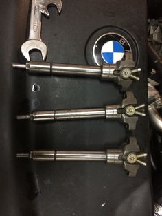 Three injectors. The old ones were pretty dirty so I decided to change them too ;)