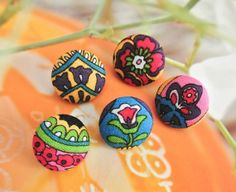 Fabric Covered Buttons Floral Buttons Flowers Buttons by RetroNaNa, $4.20