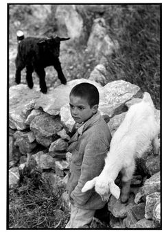 Constantine Manos 1964 GREECE. Crete. 1964. Boy and kids.